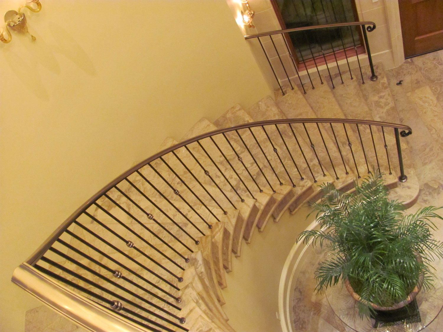 Elegant Pitch and Curved Railing - Pitch and Curve - Seattle, WA