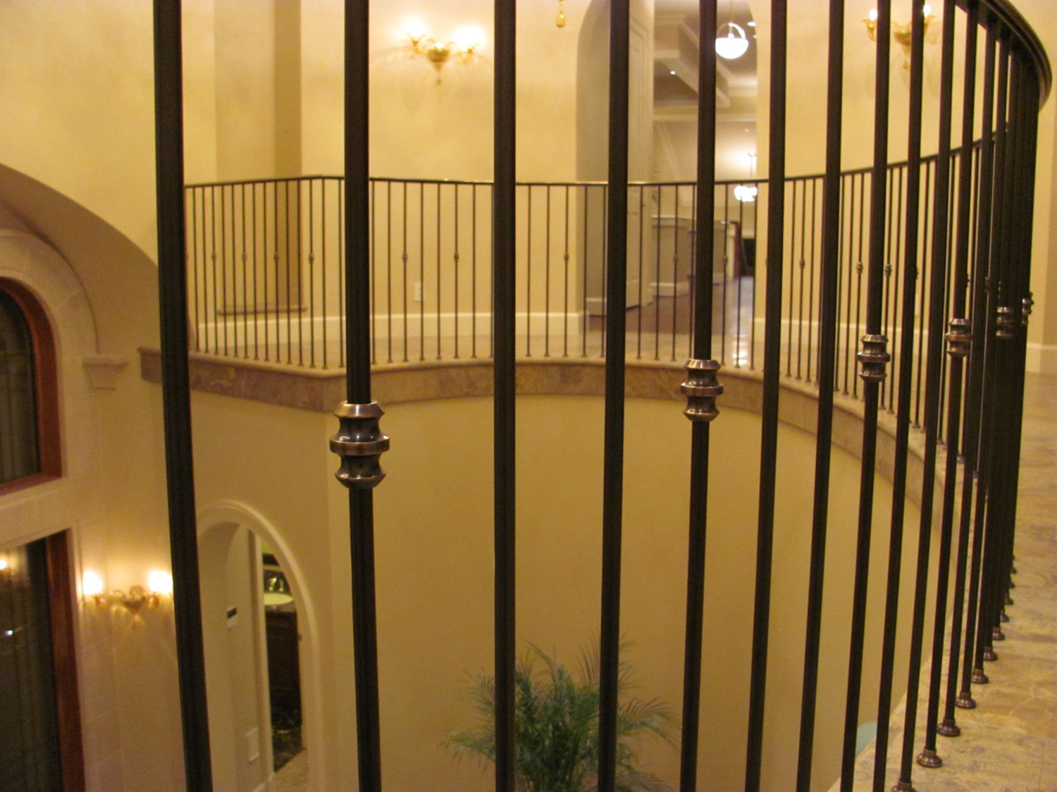 Elegant Pitch and Curved Railing - Close Up of Pickets - Seattle, WA