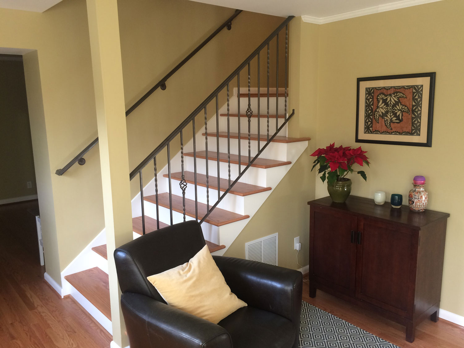Traditional Handrail and Guardrail for Interior Stairs - Full Room - Seattle, WA