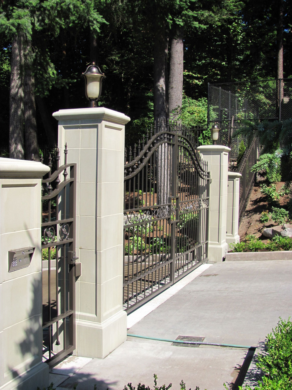 Automatic Gate and Fence - Side Gate - Seattle, WA