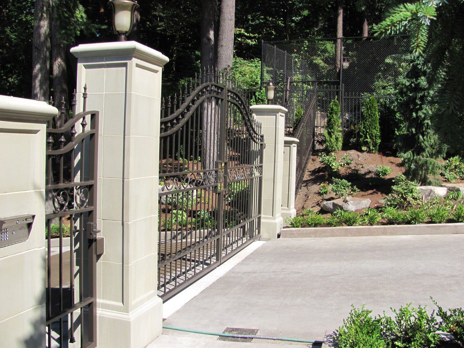 Automatic Gate and Fence - Seattle, WA