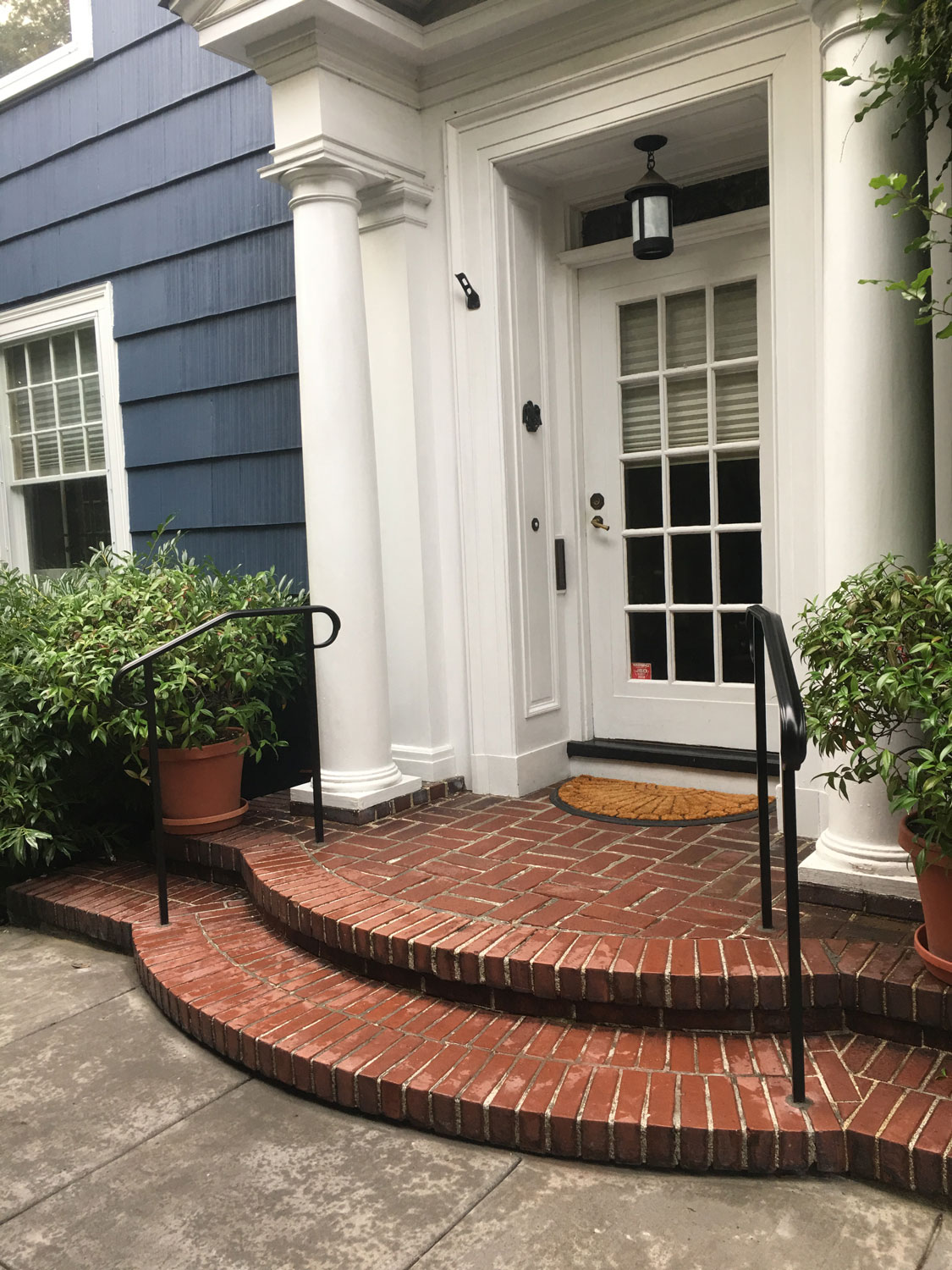 Classic Handrail for Front Entrance of Colonial Home in Seattle, WA